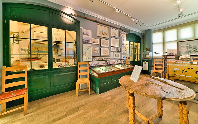 Best-Camping-Caravan-Site-Charmouth-Dorset-Lyme-Regis-Museum-1