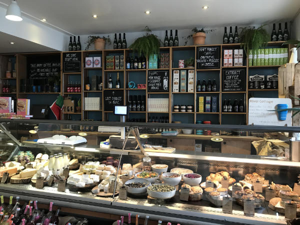 River-Cottage-Best-Place-Stay-Near-By-Monkton-Wyld-Holiday-Inside-Deli