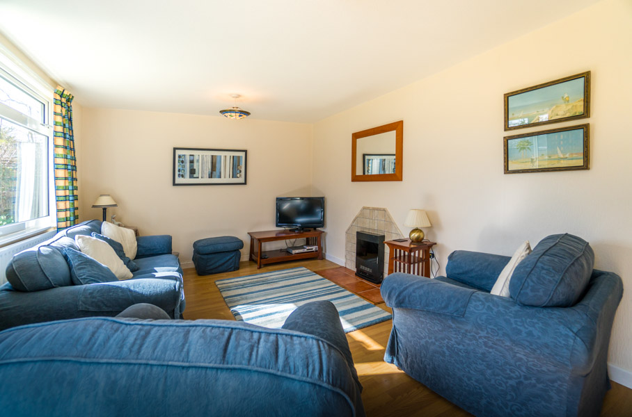 Monkton Wyld Holiday Cottage Dorset Lounge